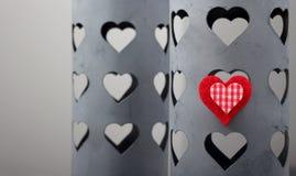 Coração vermelho em uma caixa do estanho Foto de Stock