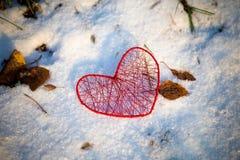 Coração vermelho feito a mão Fotos de Stock