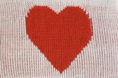 Coração vermelho feito malha Fotografia de Stock