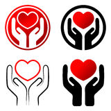 Coração vermelho nas mãos ilustração stock