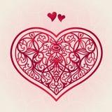 Coração vermelho ornamentado no fundo sem emenda cor-de-rosa. Fotos de Stock Royalty Free