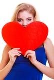 Coração vermelho. Símbolo do amor. Símbolo do dia de são valentim da posse da mulher. Fotos de Stock Royalty Free