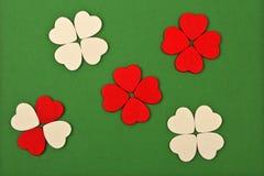 Corações brancos e vermelhos Imagem de Stock