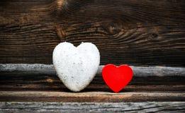 Corações brancos e vermelhos em placas Foto de Stock Royalty Free