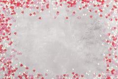 Corações cor-de-rosa, brancos e vermelhos em um fundo claro Vista superior, cópia Fotografia de Stock Royalty Free