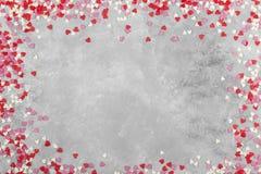 Corações cor-de-rosa, brancos e vermelhos em um fundo claro Vista superior, cópia Foto de Stock Royalty Free
