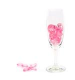 corações cor-de-rosa de vidro no fundo branco foto de stock royalty free