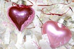Corações cor-de-rosa e festão branca fotos de stock royalty free