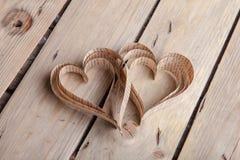 corações Coração-dados forma dos Valentim do St do entalhe Fotos de Stock