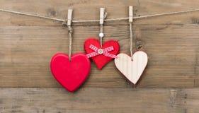 Corações de madeira Fotos de Stock