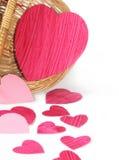 Corações de papel em uma cesta Fotos de Stock Royalty Free