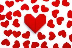 Corações de papel no papel Foto de Stock