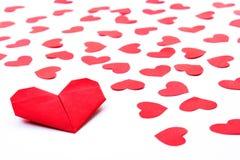 Corações de papel no papel Fotografia de Stock Royalty Free