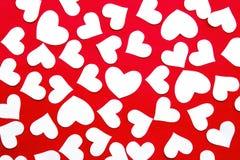 Corações de papel no papel Imagem de Stock