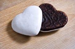 Corações do pão-de-espécie Fotos de Stock