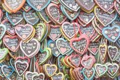 Corações do pão-de-espécie em Octoberfest Fotografia de Stock Royalty Free