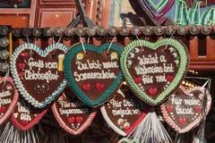Corações do pão-de-espécie em Theresienwiese em Munich, Alemanha, 2015 imagem de stock royalty free