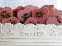 Corações do sabão para convidados do casamento foto de stock