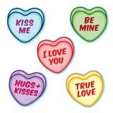 Corações dos doces do Valentim com provérbios da palavra fotografia de stock