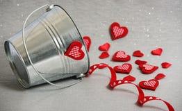 Corações em uma cubeta Imagem de Stock Royalty Free