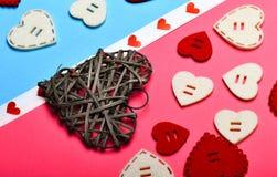 Corações enchidos com o amor Cumprimento romântico Fundo dos corações do dia de Valentim Amor e romance mínimo denominado fotografia de stock