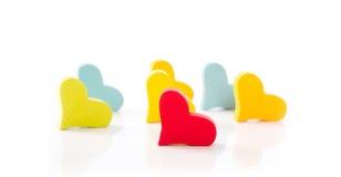 Corações isolados para o Valentim em cores diferentes no backg branco Fotos de Stock Royalty Free