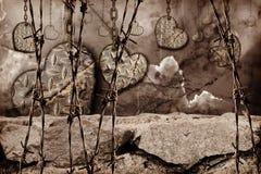 Corações tonificados escuros do fundo do aço com suspensão dos riscos Fotografia de Stock