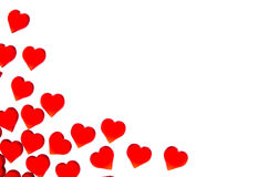 Corações vermelhos brilhantes em um fundo listrado A fim usar o dia do ` s do Valentim, casamentos, dia internacional do ` s das  Imagens de Stock