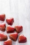 Corações vermelhos do chocolate para o dia de Valentim Imagem de Stock Royalty Free