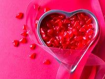 Corações vermelhos dos doces com espaço da cópia Fotos de Stock