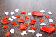Corações vermelhos e brancos Imagem de Stock Royalty Free