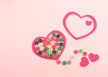Corações vermelhos e teclas coloridas Fotografia de Stock