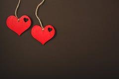 Corações vermelhos em uma corda Fotos de Stock Royalty Free