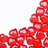 Corações vermelhos isolados no fundo branco com espaço para o texto. Fotos de Stock Royalty Free