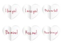 Corações de papel isolados no fundo branco Imagens de Stock
