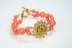 Coral Bracelet con la flor de Filigre Fotografía de archivo libre de regalías