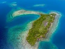 Coral Reef et antenne de Caye Photographie stock libre de droits