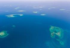 Coral Reef y antena de Caye Imagenes de archivo