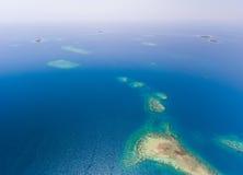 Coral Reef y antena de Caye Fotos de archivo