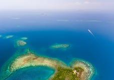 Coral Reef y antena de Caye Fotos de archivo libres de regalías