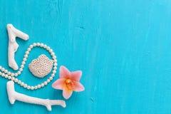 Corales y perlas fotos de archivo