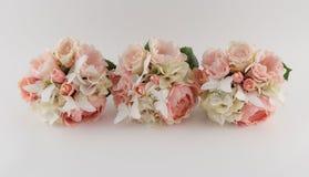 Coram os ramalhetes cor-de-rosa da dama de honra Imagens de Stock