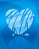 Coração gelado quebrado no fundo azul Fotos de Stock Royalty Free