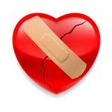 Coração vermelho rachado com emplastro Fotos de Stock Royalty Free
