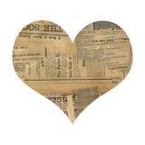 Corazón antiguo sucio del collage del papel del periódico   Foto de archivo libre de regalías
