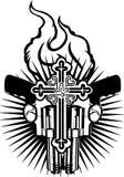 Corazón, armas y cruz del fuego. Foto de archivo
