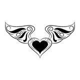 Corazón blanco y negro con las alas en el fondo blanco Fotografía de archivo libre de regalías
