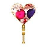 Corazón con dos globos de la Navidad ilustración del vector