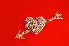 Corazón con la flecha Fotos de archivo libres de regalías
