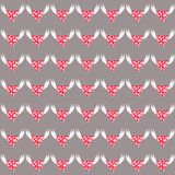 Corazón con las alas del ángel stock de ilustración